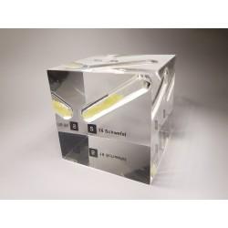 Acrylic cube sulfur